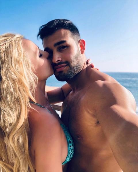 Бритни Спирс счастлива с новым возлюбленным
