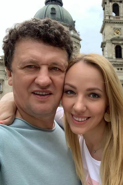 С режиссером Сергеем Корягиным актриса вместе уже пять лет