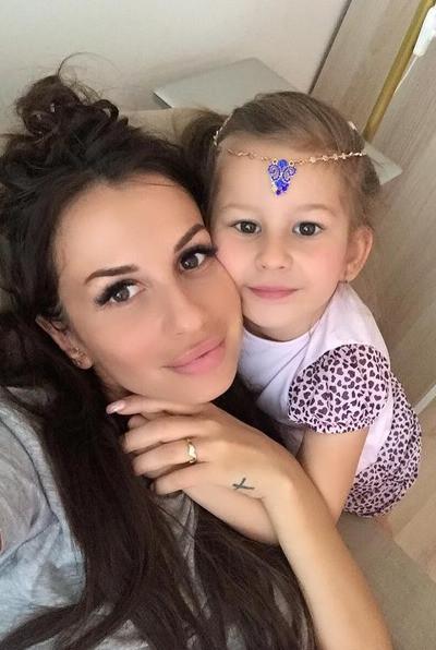 Анна Грачевская с дочерью Василисой