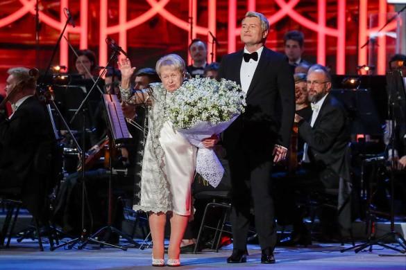 Александра Пахмутова и Николай Басков. Фото: Вячеслав Прокофьев/ТАСС