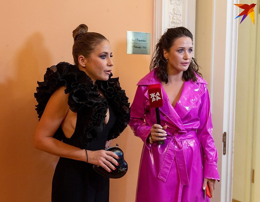 Платье Юлии Барановской особенно эффектно выглядело сбоку Фото: Михаил ФРОЛОВ