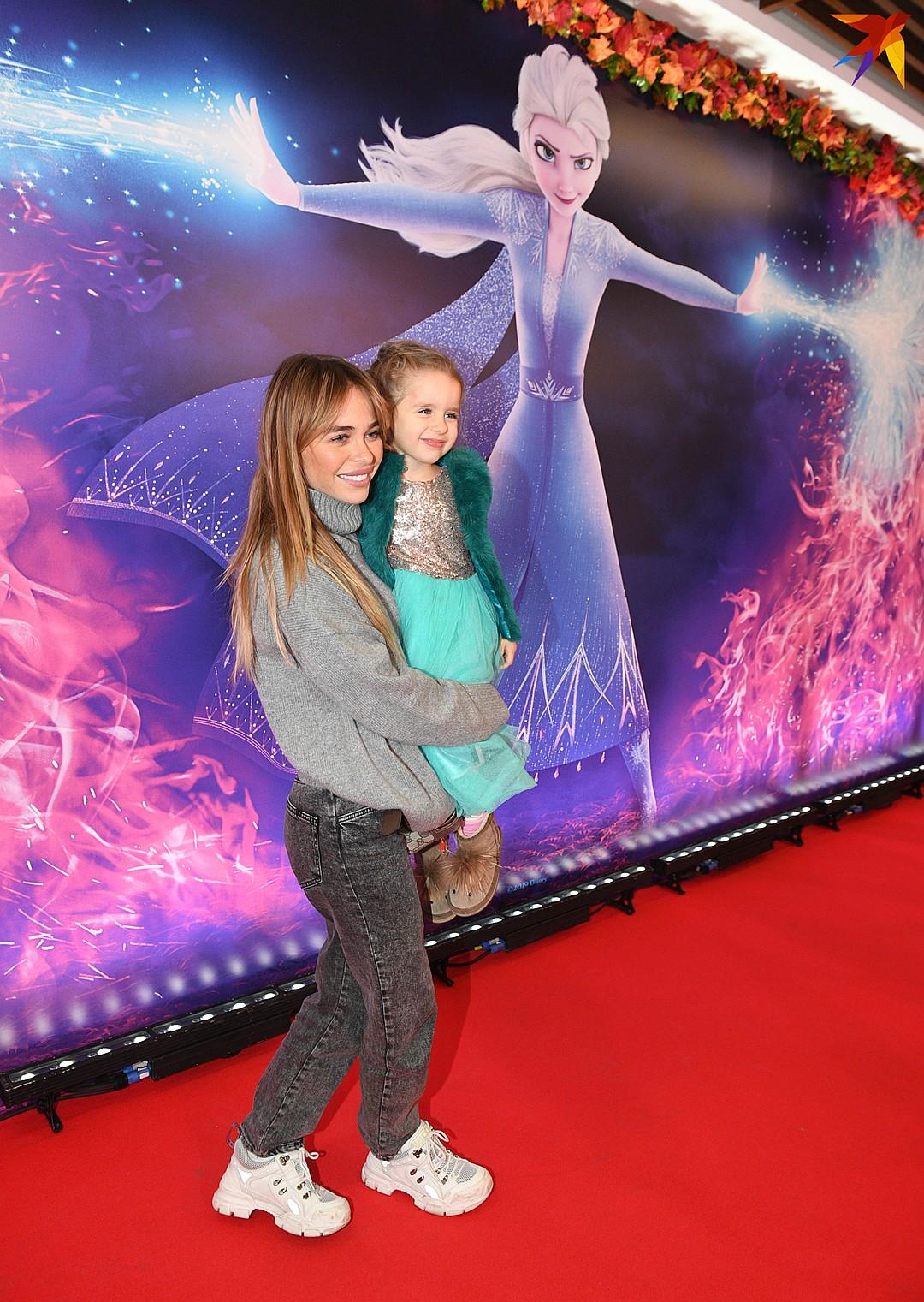 Рядом с мамой трехлетняя Арианна смотрелась настоящей звездочкой Фото: Михаил ФРОЛОВ