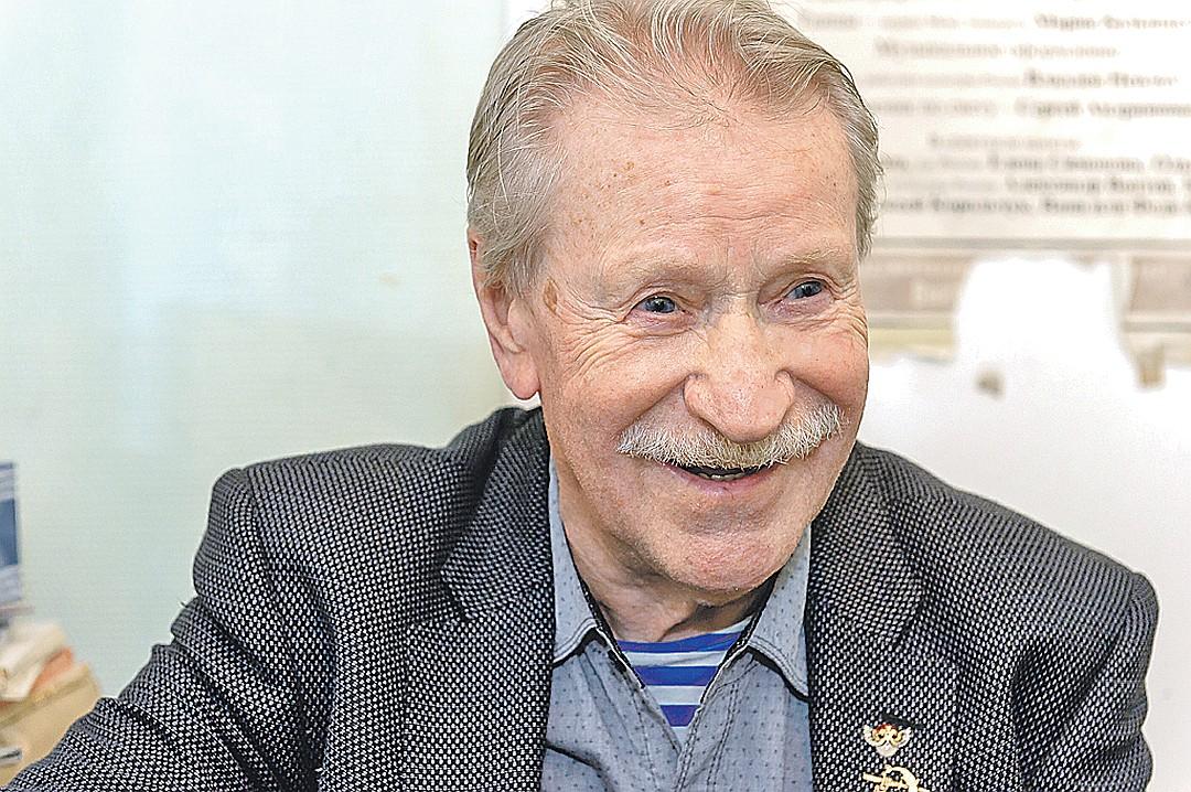 Четырежды женатый Иван Иванович в свои 89 лет бодр и весел. Фото: Олег ЗОЛОТО