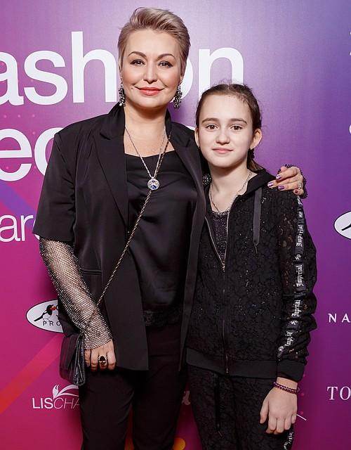 Катя Лель с дочкой Эмилией. Фото: пресс-служба Fashion People Awards Kids 2019