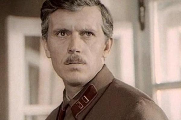 После окончания съемок «Вечного зова» Владлен Бирюков начал пить