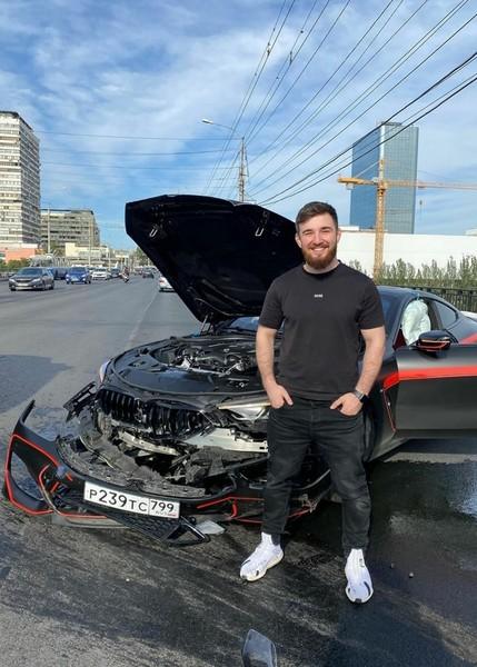 Блогер совсем недавно приобрел машину