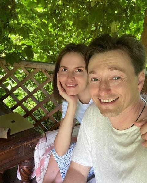 Сергей постоянно благодарит жену за то, что она изменила его жизнь