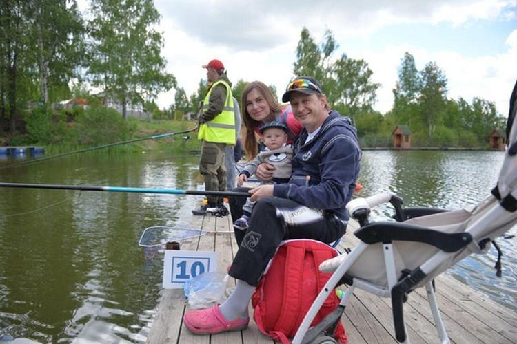 Башаров с женой Лизой и сыном Марселем. Фото: Инстаграм.