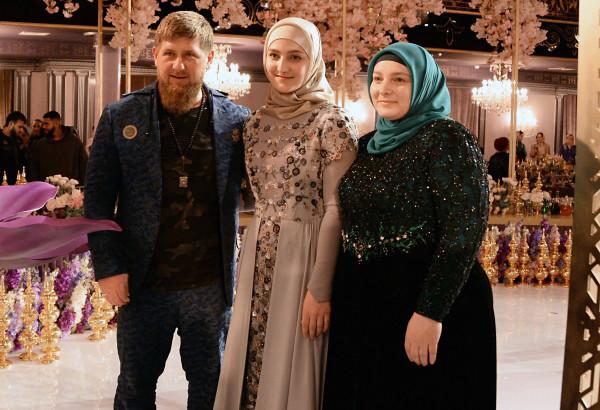 Старшая дочь политика Айшат создает коллекции кутюрных нарядов в мусульманских традициях