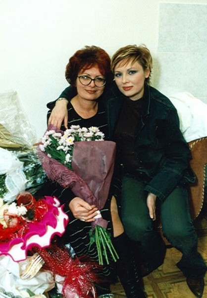 Мама Елены почти 20 лет терпела издевательства мужа