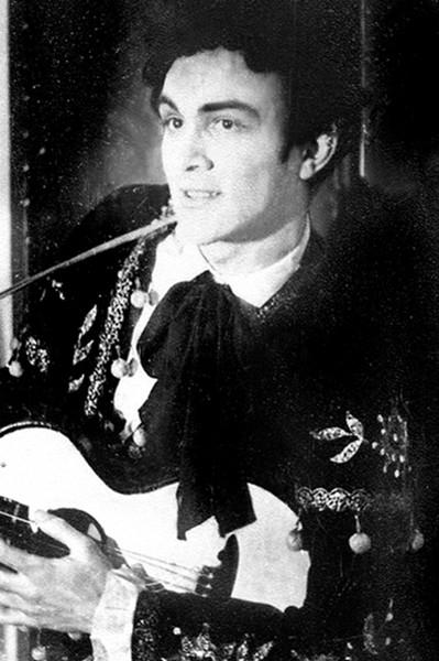 С юности Муслим Магометович делал успехи в музыке