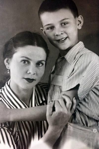 Муслим Магомаев с мамой