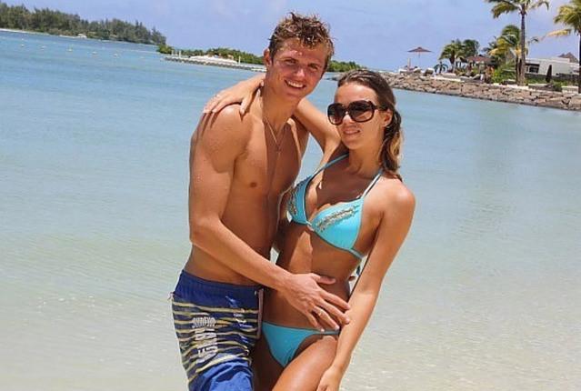 Оксана стала первой женой скандального футболиста