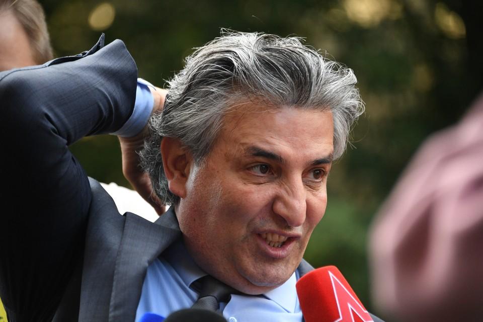 Сначала адвокатского статуса за свою неуемную активность лишился Эльман Пашаев