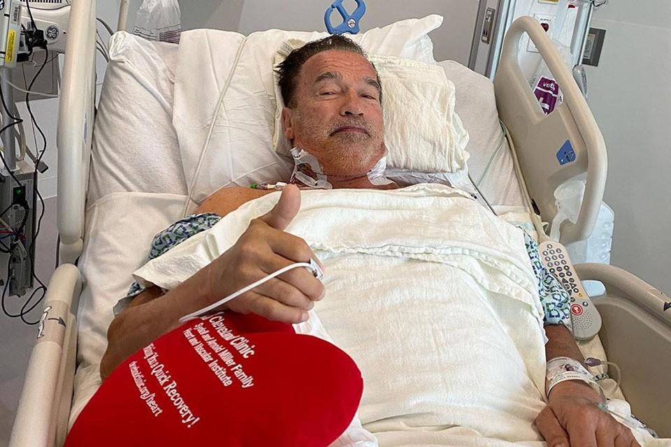 После операции актер и экс-губернатор Калифорнии рассказал, что чувствует себя хорошо
