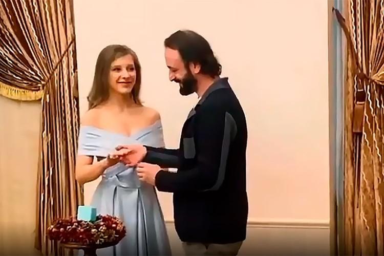 Свадьба Ильи Авербуха и Лизы Арзамасовой состоялась без пышных торжеств