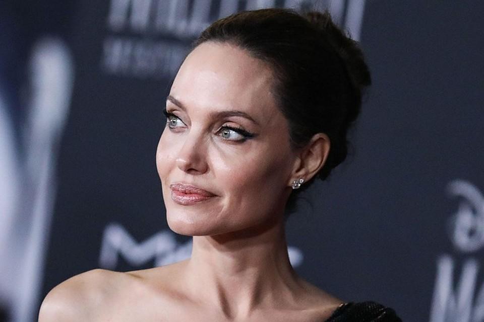 Стало известно о неожиданном решении Анджелины Джоли