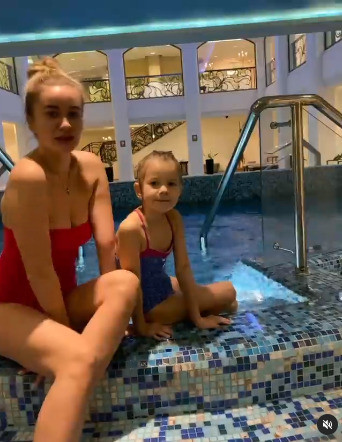 Елена Бушина в купальнике