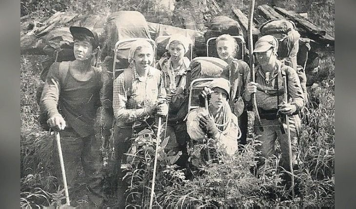Туристы на перевале Хамар-Дабан