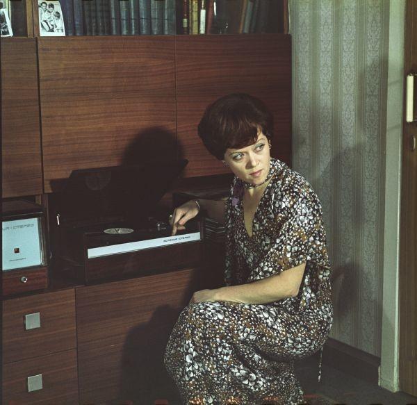 Алиса Фрейндлих в «Служебном романе»