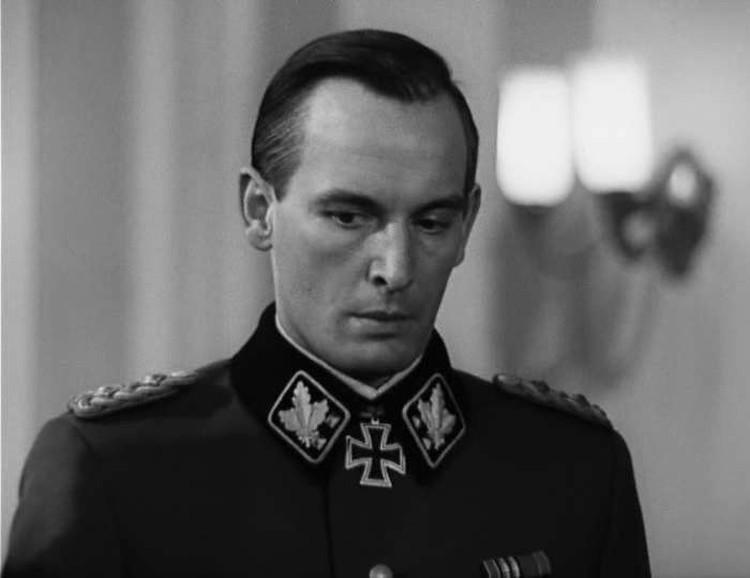 На Василии Лановом всегда идеально сидел мундир.