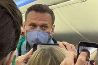 Алексей Навальный всалоне самолета авиакомпании «Победа».
