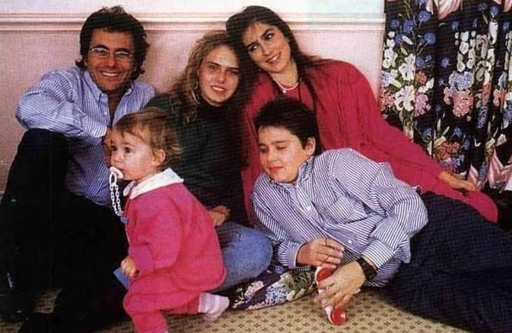 Звезды c детьми: Иления в центре, справа сын Яри, слева Кристель