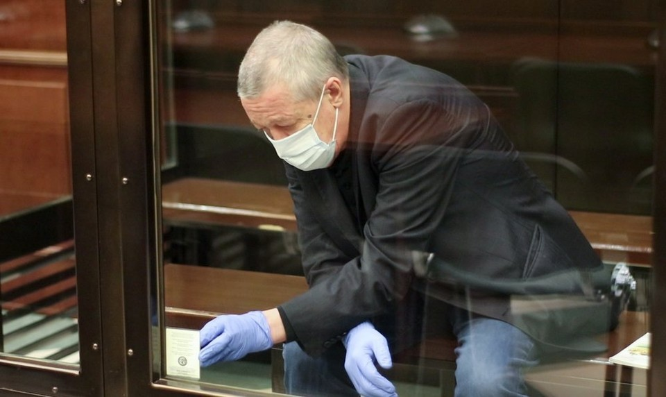 Михаил Ефремов выплатил уже пятую компенсацию пострадавшим.