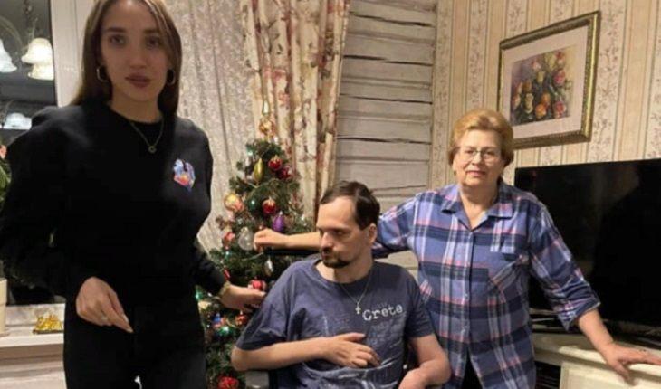 Алексей Янини с семьей