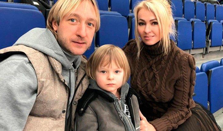 Саша с родителями