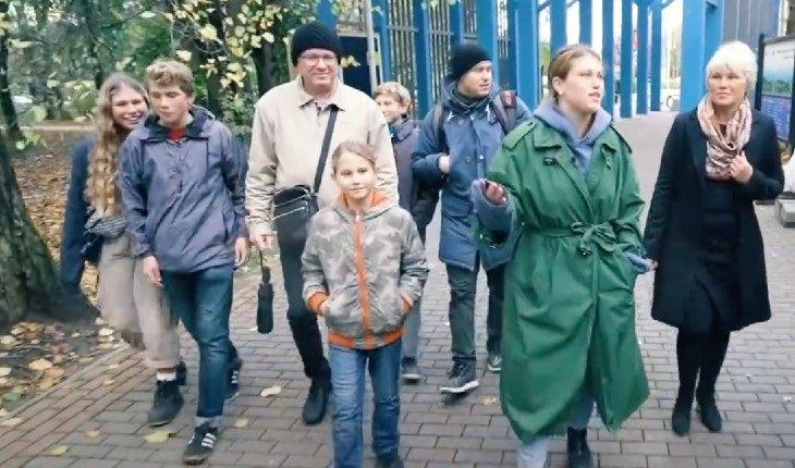 Варвара Шмыкова с семьей