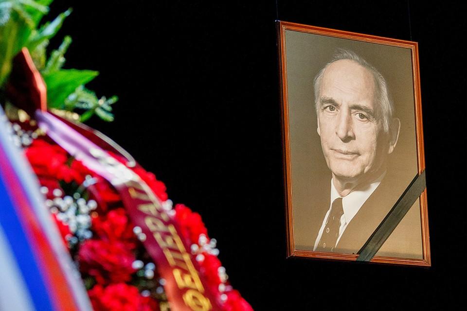 Народный артист СССР Василий Лановой скончался 28 февраля.