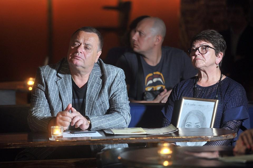 Родители покойной певицы Жанны Фриске подали в суд на внука Платона и Дмитрия Шепелева.