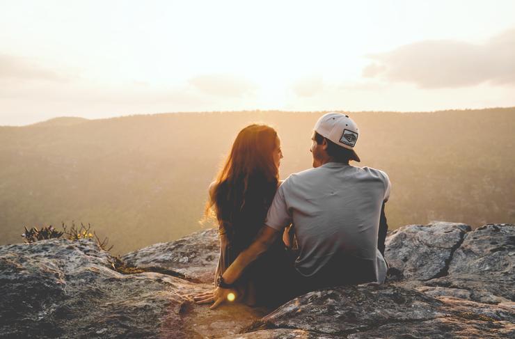 Влюбленный в вас мужчина сам заведет разговор