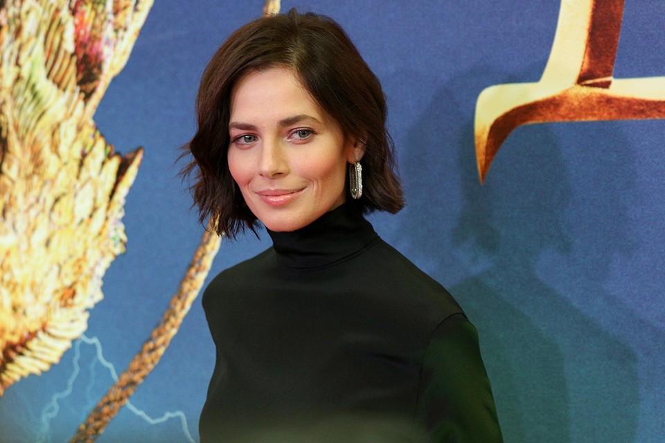 Юлия Снигирь возмущена — ее игру в сериале раскритиковала не только зрительница Божена Рынска, но и коллеги по книнематогрфическому цеху