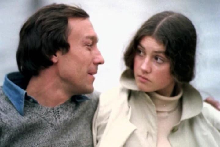 В «Полетах во сне и наяву» Костина сыграла любовницу героя Янковского, но реальностью, по словам актрисы, такое положение дел стало только через 10 лет