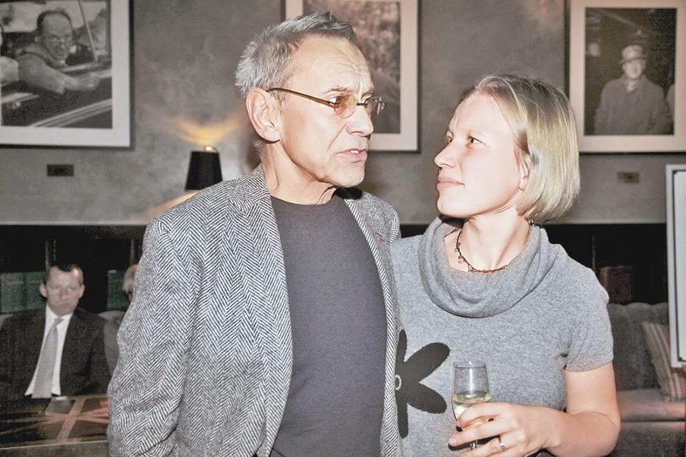 О том, что ее отец Андрей Кончаловский, Даша Бразговка узнала в 17 лет.