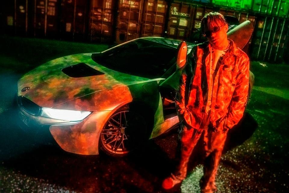 Пьяный Элджей пытался скрыться от полиции на своем спорткаре BMW i8 в Москве.