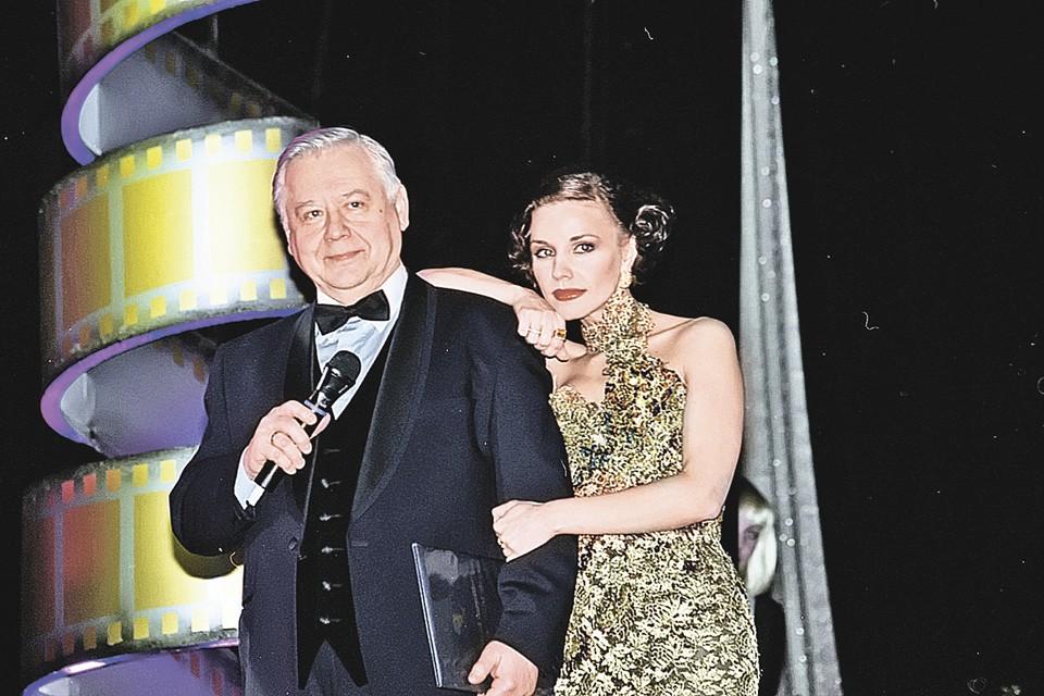Олег Павлович женился на своей студентке Марине Зудиной после десяти лет тайного романа с ней. Фото: Антон КАВАШКИН/Global Look Press