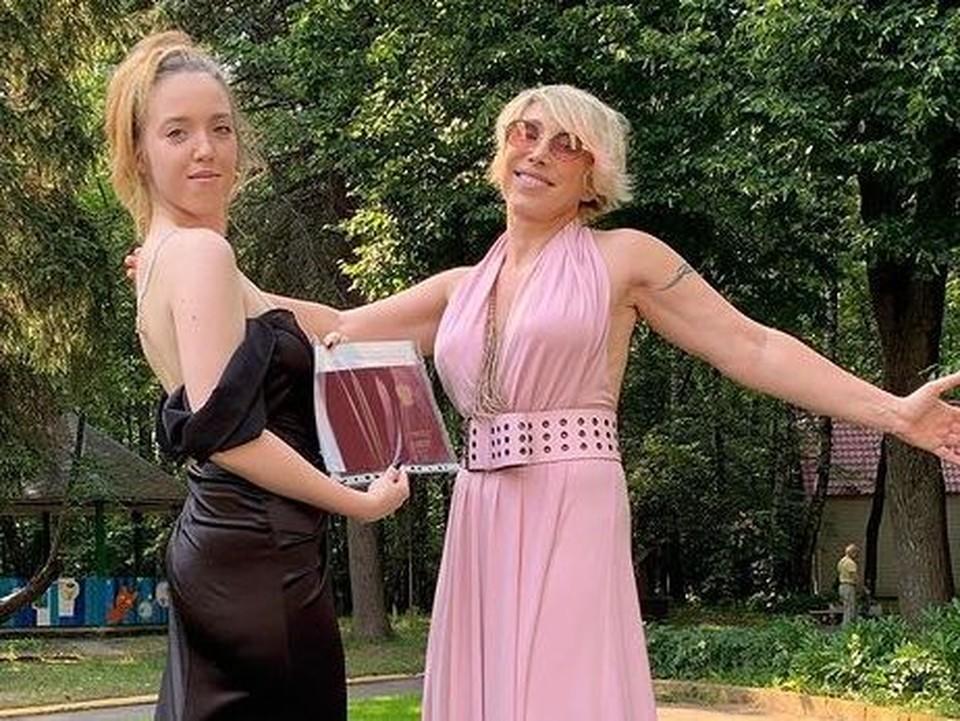 Елена Воробей с дочерью.