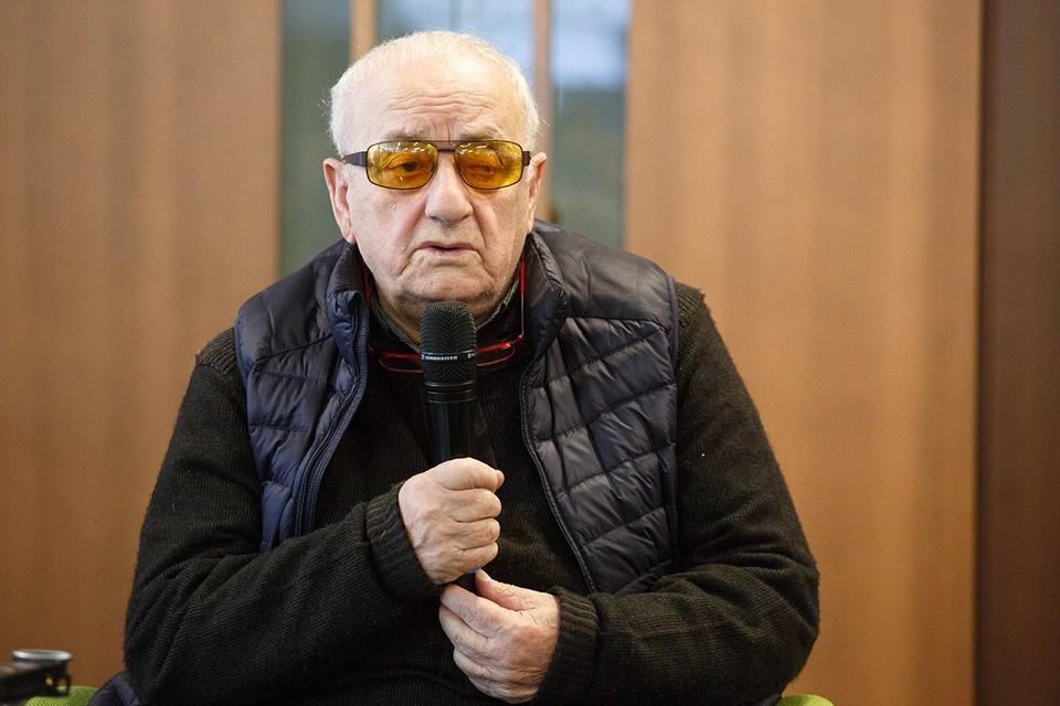 Резо Габриадзе - режиссер, художник и сценарист.