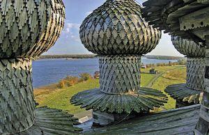 Самые красивые храмы и монастыри в России