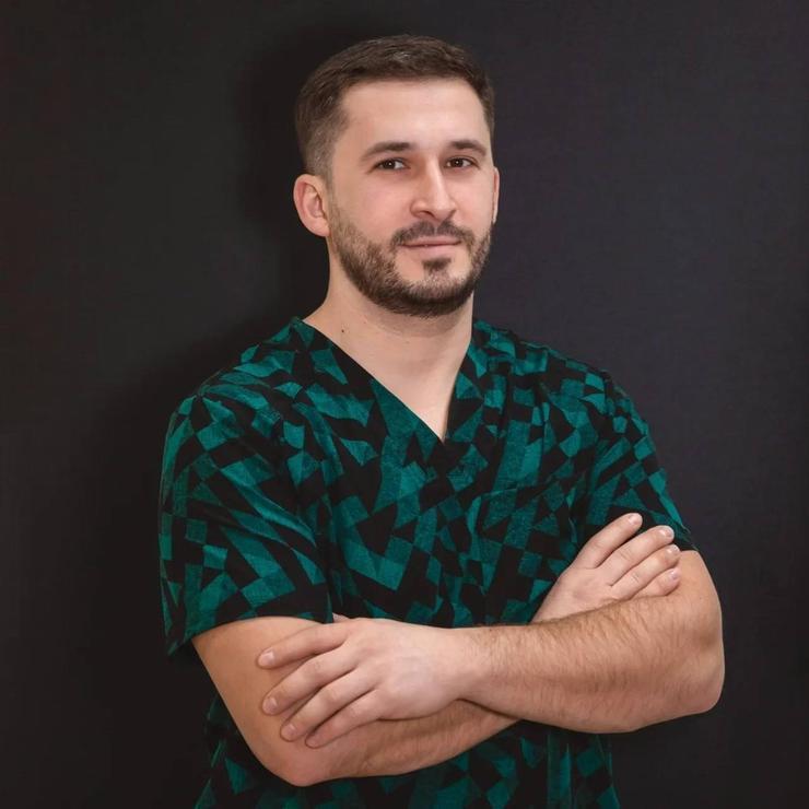 Пластический хирург Мурат Алиев