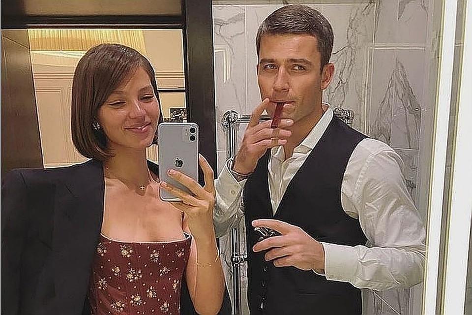 О романе модели Алеси Кафельниковой и бизнесмена Георгия Петришина стало известно в прошлом году. Фото: Инстаграм.