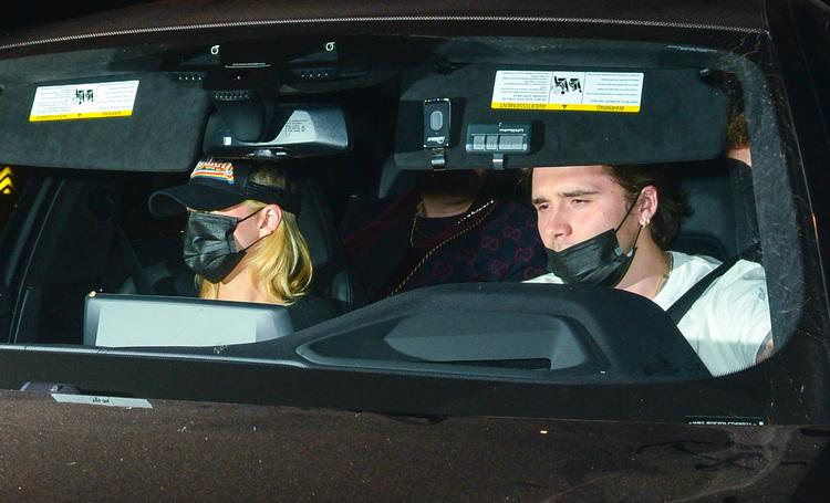 Бруклин Бекхэм и Никола Пельтц на свидании в Лос-Анджелесе: новые фото пары