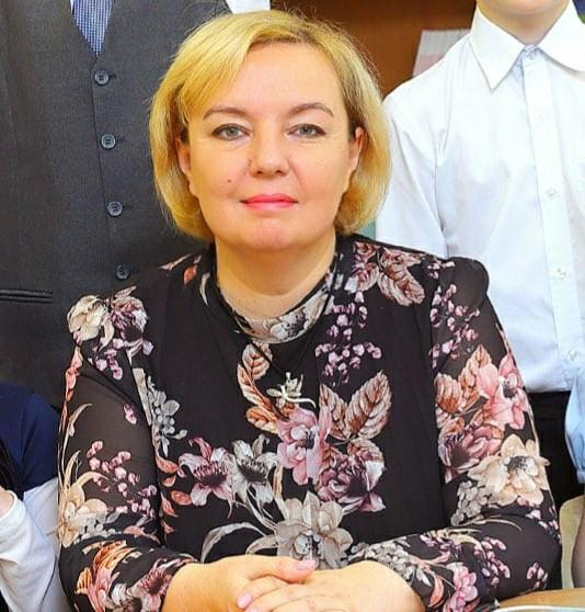 Оксану Отстранили от занятий из-за отказа вакцинироваться