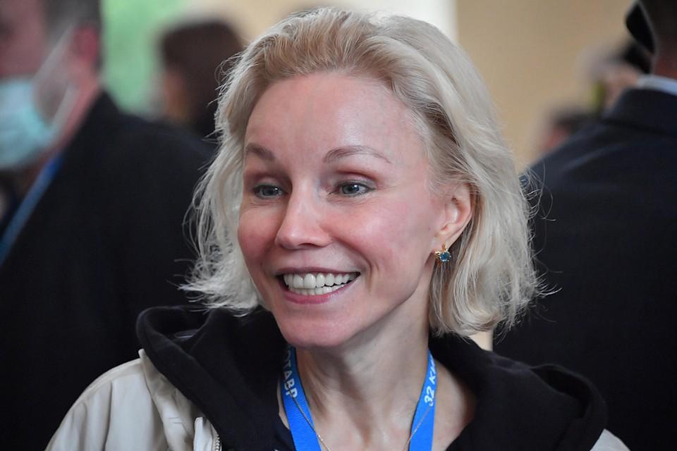 На «Кинотавре» в Сочи артистка внезапно продемонстрировала себя на звёздной дорожке без макияжа