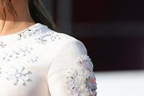 Меган Маркл в украшениях за 30 тысяч долларов призвала к равенству