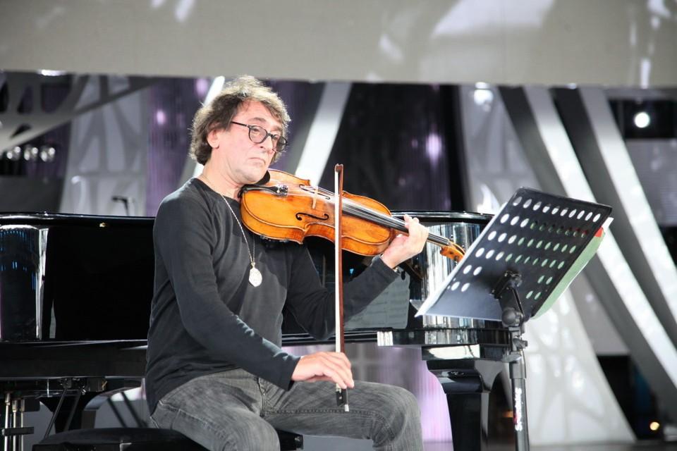 Маэстро Башмет выступит в качестве солиста с одним из лучших симфонических коллективов России – Ростовским академическим симфоническим оркестром.