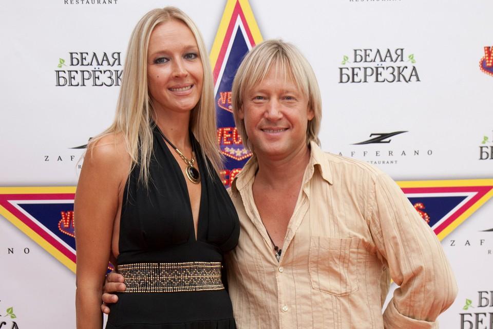 61-летний Дмитрий Харатьян и бывшая «Мисс Тирасполь» Марина Майко женаты с 1998 года.